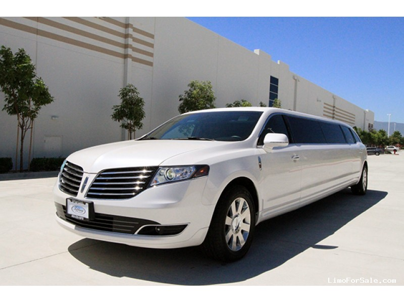 New 2017 Lincoln MKT SUV Stretch Limo Tiffany Coachworks - Calgary, Alberta   - $75,000
