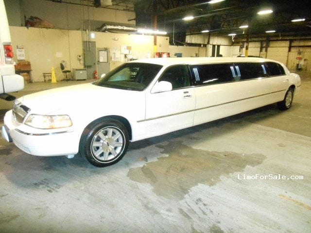 used 2011 lincoln town car sedan stretch limo executive coach builders seminole florida. Black Bedroom Furniture Sets. Home Design Ideas