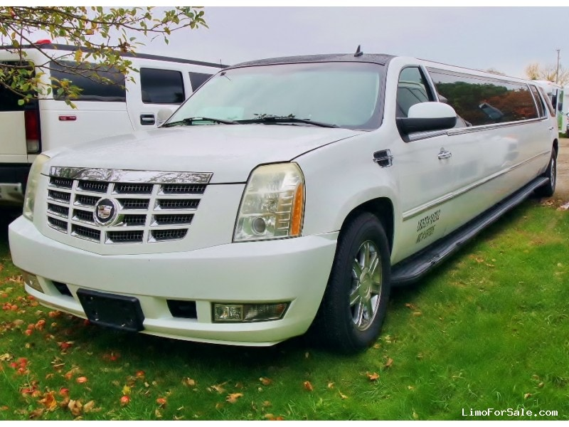 used 2007 cadillac escalade suv stretch limo erie pennsylvania 44 800 limo for sale. Black Bedroom Furniture Sets. Home Design Ideas