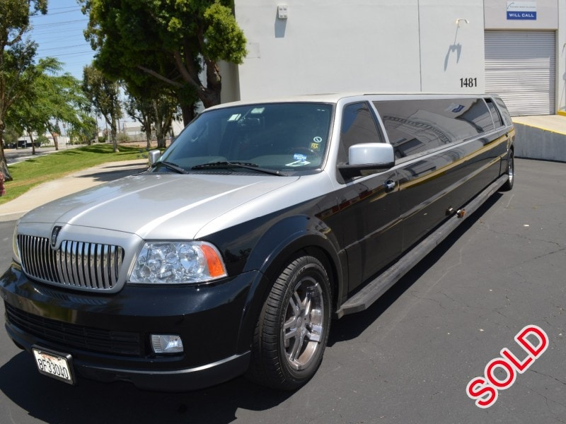 used 2006 lincoln navigator l suv stretch limo royal coach builders orange california. Black Bedroom Furniture Sets. Home Design Ideas