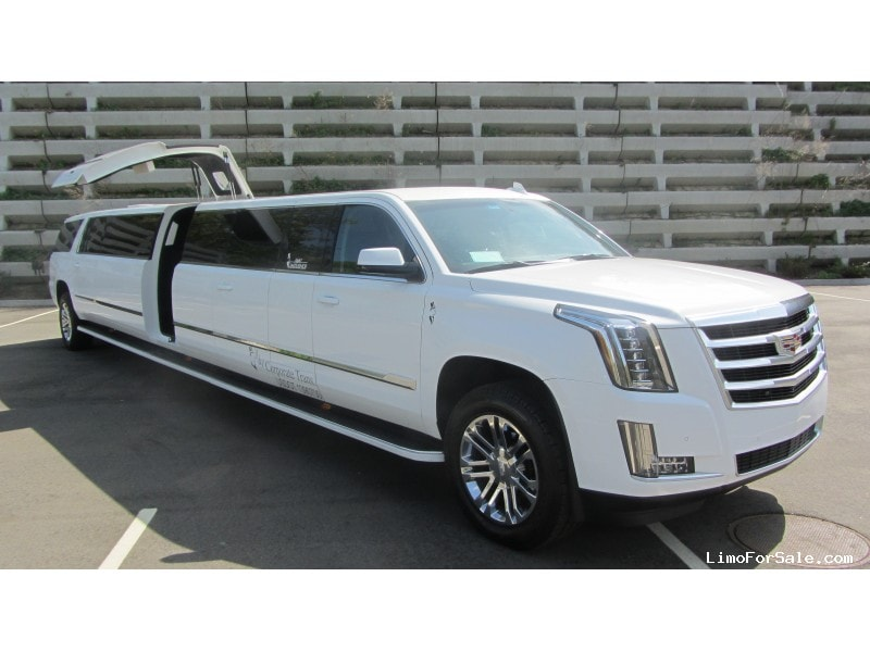 used 2015 cadillac escalade suv stretch limo limos by moonlight commack new york 145 000. Black Bedroom Furniture Sets. Home Design Ideas