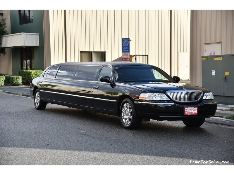 used 2011 lincoln town car sedan stretch limo executive coach builders fontana california. Black Bedroom Furniture Sets. Home Design Ideas