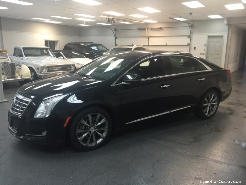 used 2013 cadillac xts sedan limo kearny new jersey 19 995 limo for sale. Black Bedroom Furniture Sets. Home Design Ideas