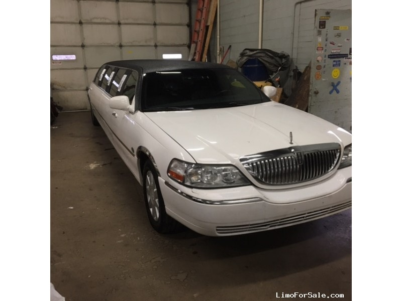 Used 2005 Lincoln Town Car L Sedan Stretch Limo LCW - Winona, Minnesota - $4,995