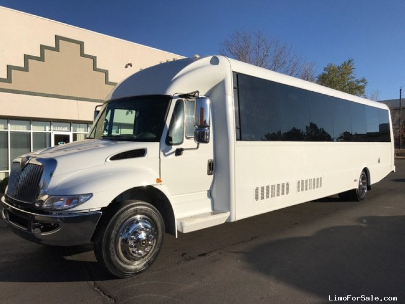 Used 2013 International 3200 Mini Bus Shuttle / Tour Federal - Aurora, Colorado - $66,995