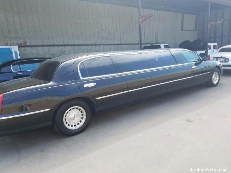 used 1999 lincoln town car l sedan stretch limo krystal. Black Bedroom Furniture Sets. Home Design Ideas