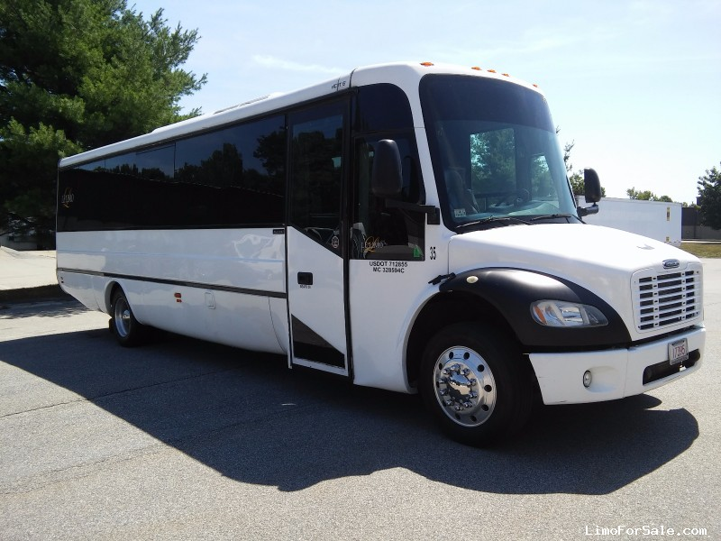 Used 2007 Freightliner Deluxe Motorcoach Limo Lime Lite Coach Works - Shrewsbury, Massachusetts - $51,695