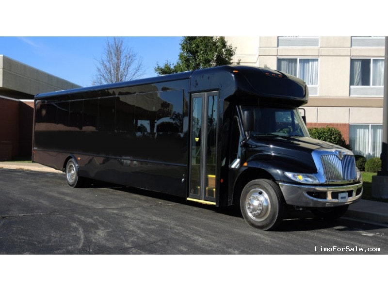 New 2017 IC Bus HC Series Mini Bus Shuttle / Tour Starcraft Bus - Kankakee, Illinois - $145,975