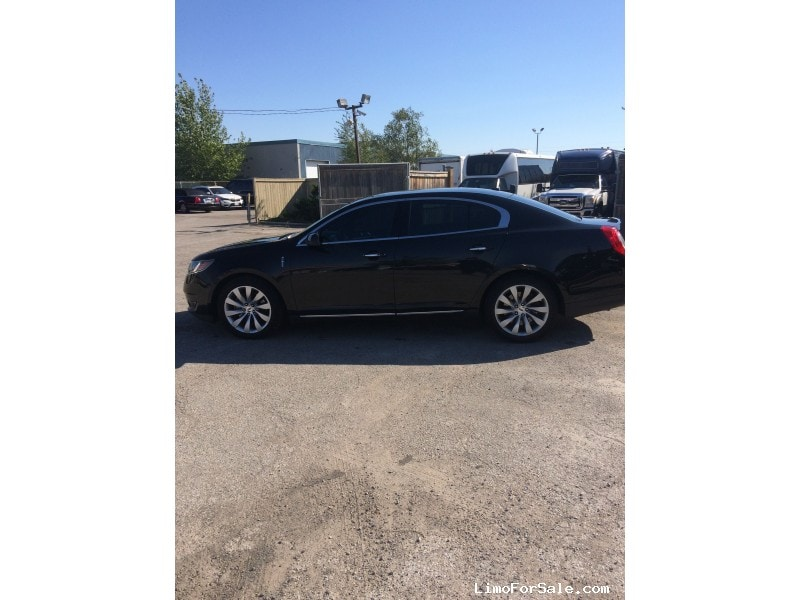 Used 2014 Lincoln MKS Sedan Limo  - Toronto, Ontario - $26,250