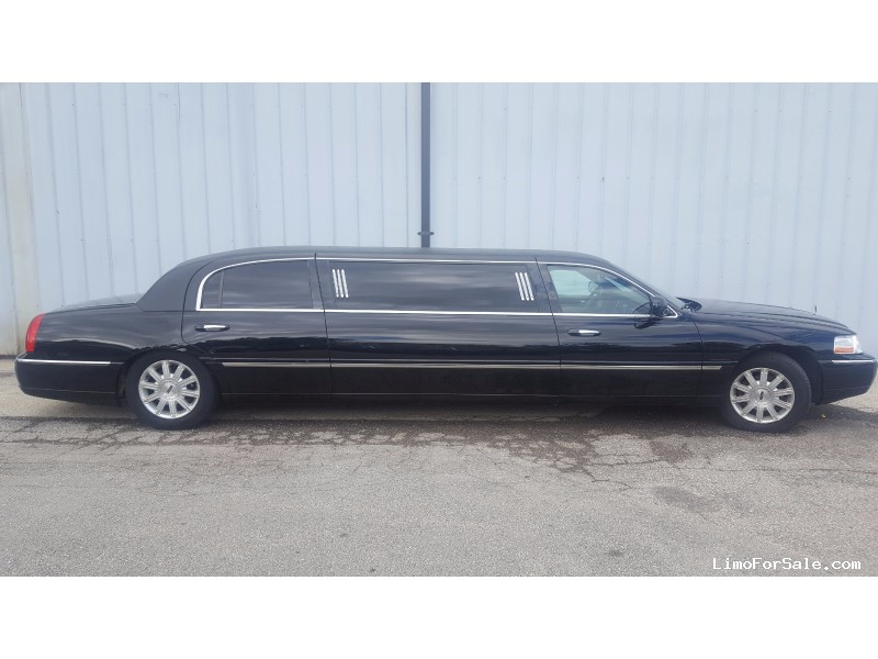 Used 2004 Lincoln Town Car L Sedan Stretch Limo Krystal Milwaukee Wisconsin 3 500