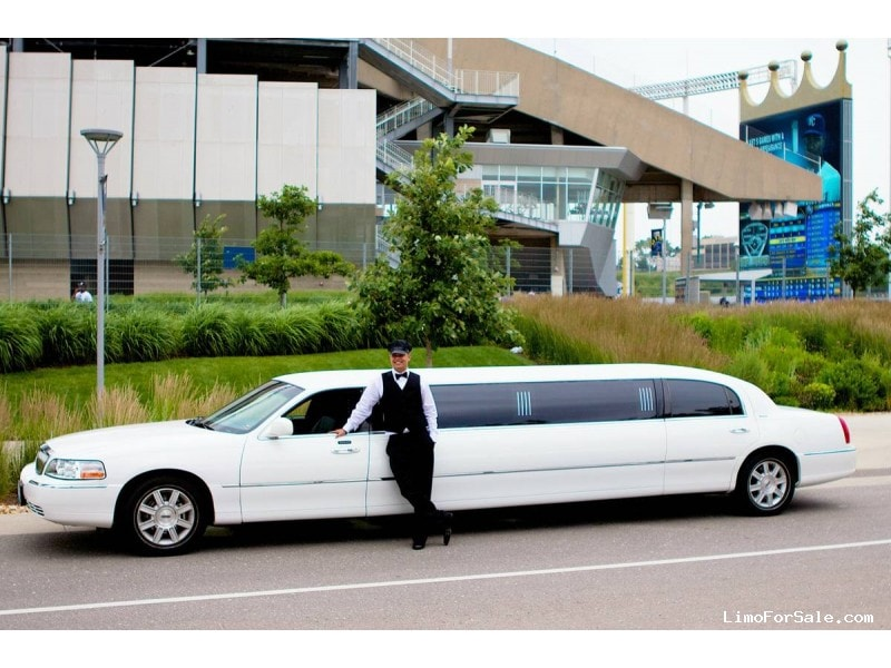 Used 2008 Lincoln Town Car Sedan Stretch Limo Executive Coach Builders - Savannah, Missouri