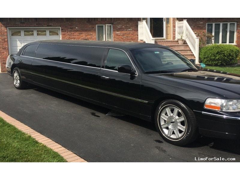 Used 2007 Lincoln Town Car Sedan Stretch Limo Tiffany Coachworks - East Meadow, New York    - $15,750