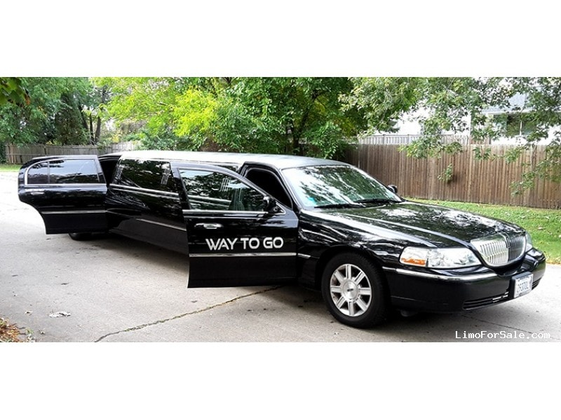 Used 2011 Lincoln Town Car Sedan Stretch Limo Executive Coach Builders - Palatine, Illinois - $19,500