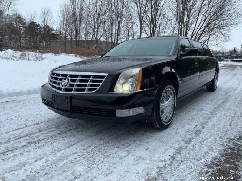 Used 2009 Cadillac Funeral Limo Superior Coaches - Holland, Michigan - $18,500