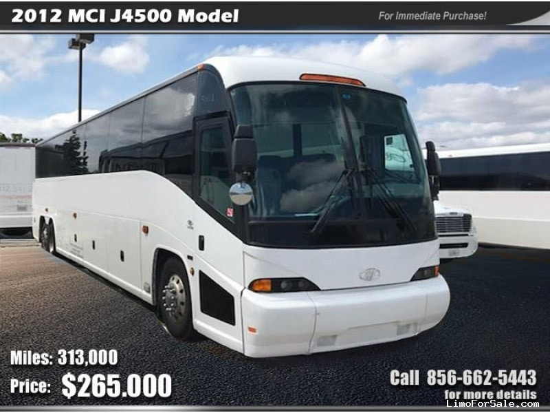 Used 2012 MCI Motorcoach Shuttle / Tour  - Springfield, Missouri