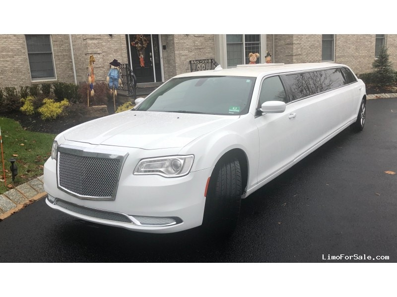 Used 2016 Chrysler 300 Sedan Stretch Limo Springfield - Ocean, New Jersey    - $57,900