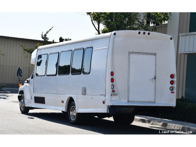 Used 2007 Chevrolet C5500 Van Shuttle / Tour Starcraft Bus - Fontana, California - $9,995