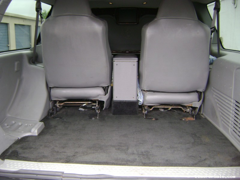 Used 2004 Ford Excursion XLT SUV Limo Executive Coach Builders - Santa Clarita, California - $16,900
