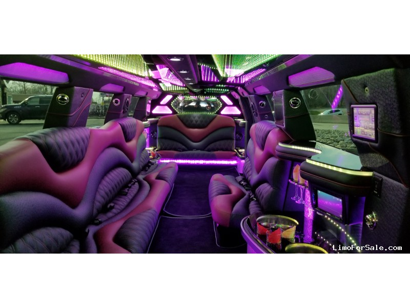 Used 2014 Porsche SUV Stretch Limo Pinnacle Limousine Manufacturing - Green Brook, New Jersey    - $79,000