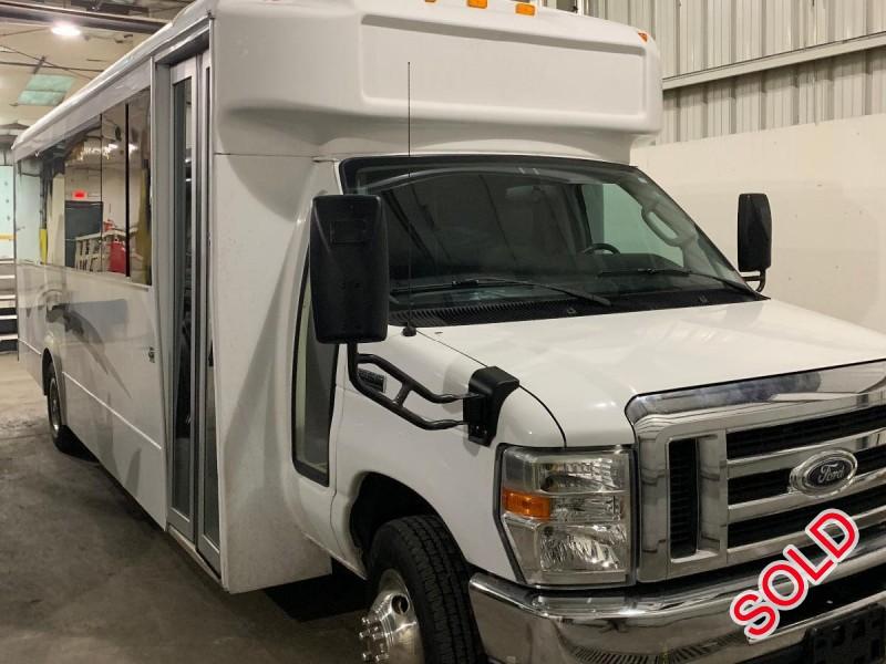 Used 2011 Ford E-450 Mini Bus Limo LGE Coachworks - Erie, Pennsylvania - $46,900