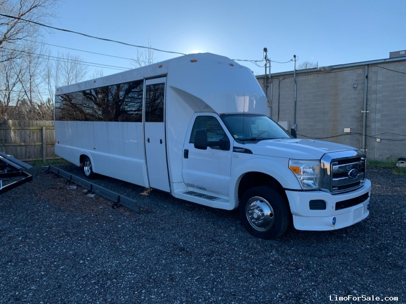Used 2011 Ford F-550 Mini Bus Limo Tiffany Coachworks - Plymouth, Michigan - $28,000